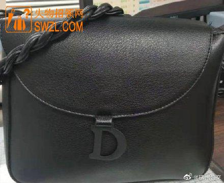 失物招领:杭州公交395路司机2月27日8:00在庙山公交站捡到黑色包
